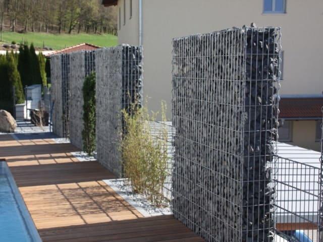 Gabionen bei Landshut Sichtschutz
