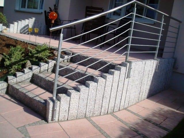 Gartentreppe bei Landshut Granitstufe Leistenstein